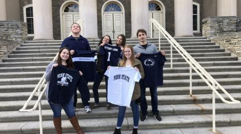 Students in Penn State shirts
